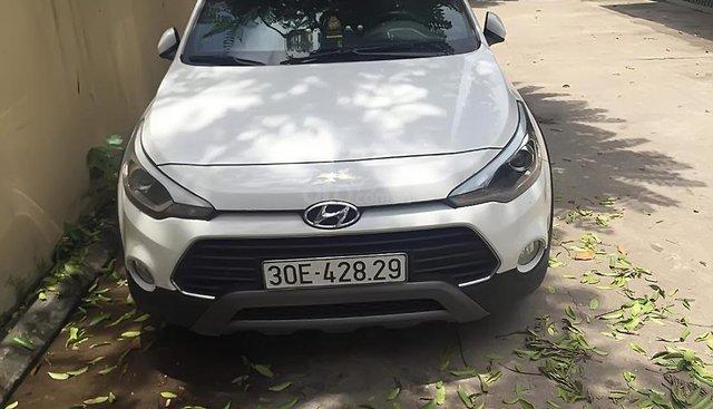 Xe Hyundai i20 Active sản xuất năm 2017, màu trắng, nhập khẩu nguyên chiếc