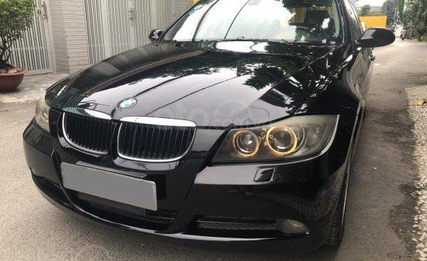 Bán BMW 320i 2008 tự động, màu đen sang trọng cực kỳ