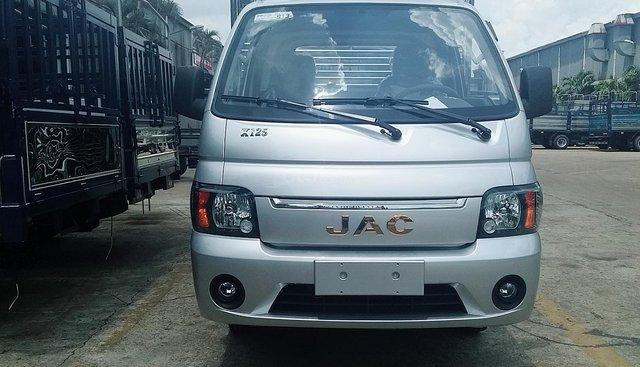 Bán xe tải JAC 1,25 tấn thùng, 3m2 máy Isuzu 2019 trả trước 50tr nhận xe