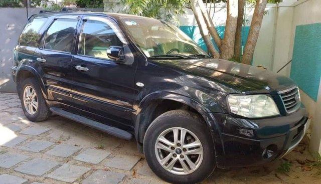 Bán Ford Escape năm sản xuất 2005, nhập khẩu, xe gia đình