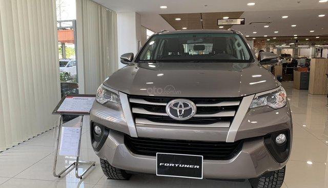 Bán Toyota Fortuner 2.4G MT 2019 - Màu đồng giao ngay - khuyến mãi tốt