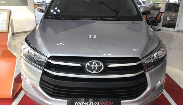 Bán xe Toyota Innova E năm 2019, màu bạc, giá chỉ 731 triệu, nhận xe ngay, hỗ trợ trả góp lãi suất 0.58%