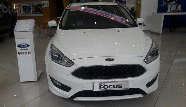 Bán xe Focus 1.5L Ecoboost Sport đủ màu, giao ngay, chính sách tốt
