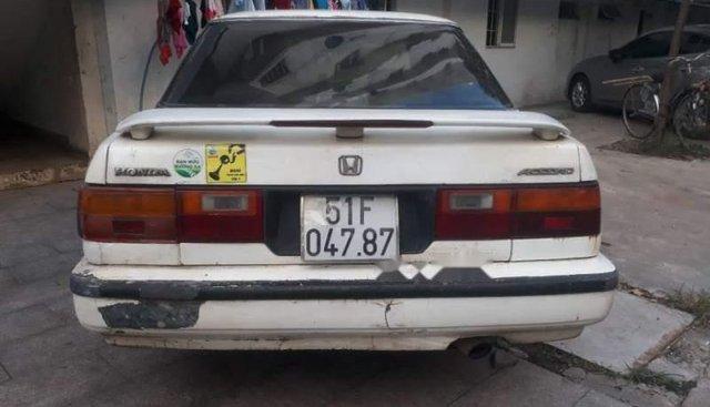 Bán Honda Accord sản xuất năm 1988, màu trắng, nhập khẩu nguyên chiếc, giá rẻ