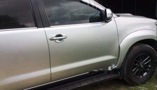 Cần bán xe Toyota Fortuner sản xuất năm 2016, màu bạc, máy dầu