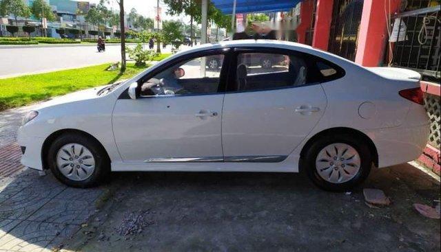 Bán ô tô Hyundai Avante MT năm sản xuất 2013, màu trắng, xe đẹp