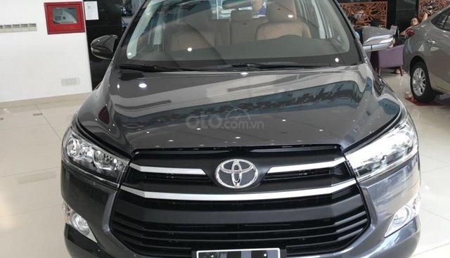 Toyota Innova 2.0E khuyến mãi sâu tháng 7