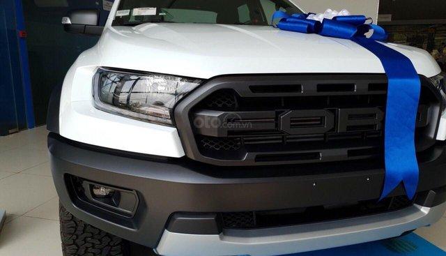 Bán xe raptor màu trắng 2.0L AT 2 cầu giá siêu ưu đãi. Ms. Thủy- 0962.162.688