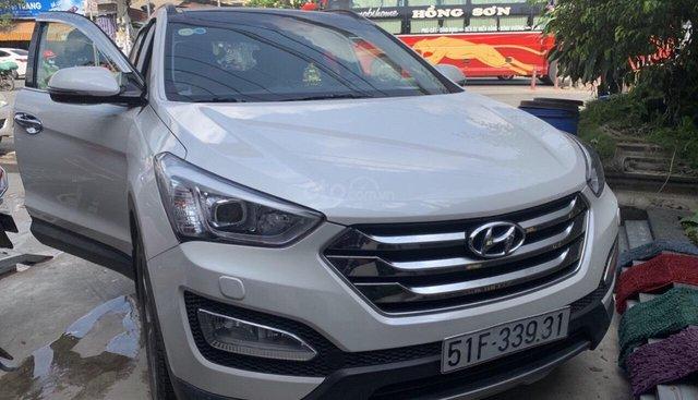 Cần bán Hyundai Santa Fe 4WD đời 2015, xe gia đình một chủ từ đầu, sơn zin