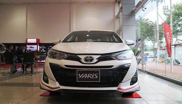 """Bán Toyota Yaris 1.5G khuyến mãi """"Khủng"""" tại Toyota Lý Thường Kiệt, hỗ trợ góp 85%, xe sẵn giao ngay"""
