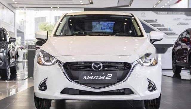 Bán xe Mazda 2 đời 2019, màu trắng, 554 triệu