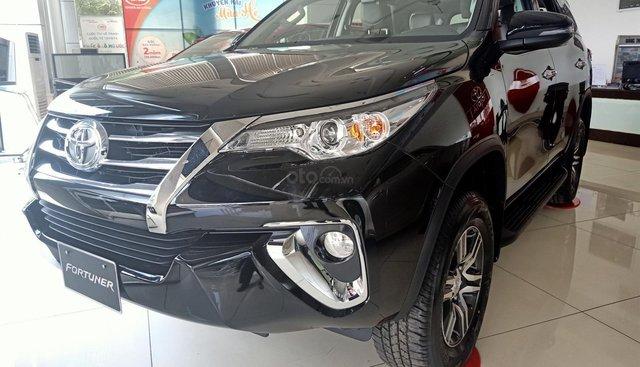 Toyota An Sương bán Fortuner 2.4G số tự động, giá tốt giao xe ngay
