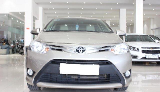 Cần bán Toyota Vios E sản xuất 2018, màu vàng cát