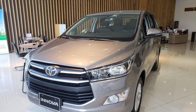 Toyota Innova 2019, giảm giá 40tr, tặng gói full phụ kiện, trả trước chỉ 230tr nhận xe