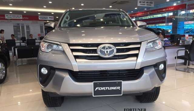 """Bán Toyota Fortuner """" Mãnh lực hào hoa"""" Chiếc SUV đột phá trong thiết kế, SUV được sử dụng nhất trong nước"""