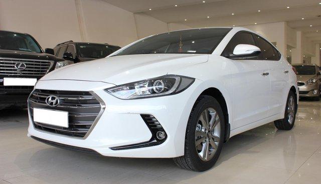 Bán Hyundai Elantra GLX năm 2018, màu trắng, 585tr