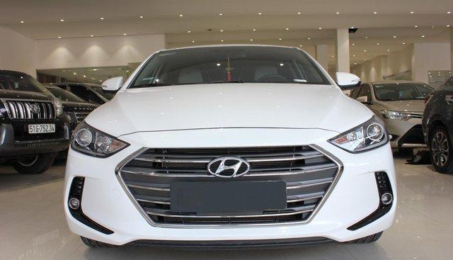 Bán Hyundai Elantra 1.6AT năm 2018, màu trắng, lướt odo 9000 km