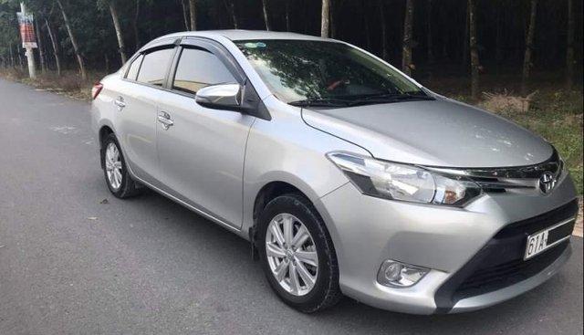 Cần bán lại xe Toyota Vios MT đời 2016, màu bạc