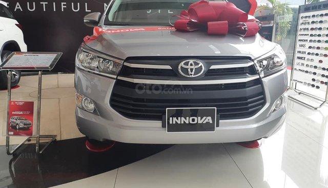 Bán xe Toyota Innova E năm sản xuất 2019 giá tốt