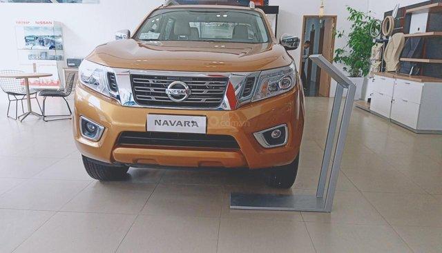 Bán Nissan Navara VL đời 2019, màu cam, nhập khẩu