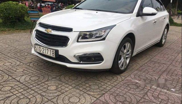 Gia đình bán Chevrolet Cruze năm 2016, màu trắng