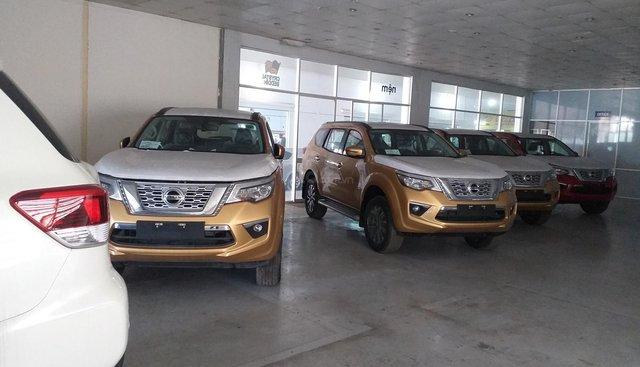 Bán Nissan Terra E 2018, màu vàng, xe nhập