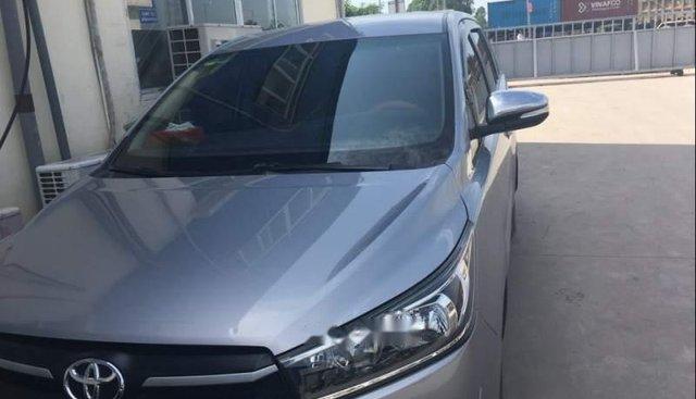 Bán xe cũ Toyota Innova sản xuất 2016, màu bạc