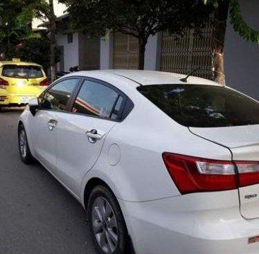 Cần bán xe Kia Rio sản xuất 2017, màu trắng, nhập khẩu nguyên chiếc, biển số 43