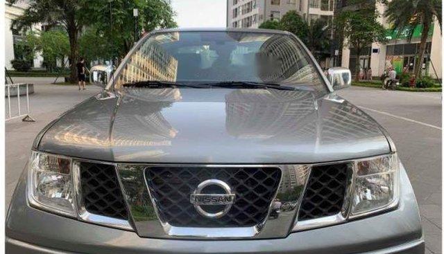 Bán Nissan Navara 2012, màu xám, xe gia đình