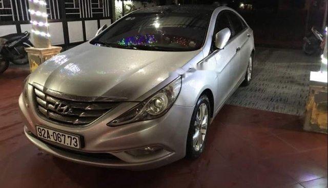 Bán Hyundai Sonata đời 2010, màu bạc, nhập khẩu