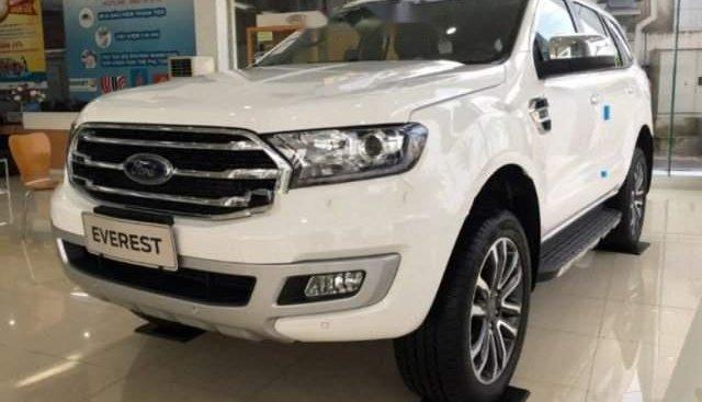Bán xe Ford Everest sản xuất năm 2019, màu trắng