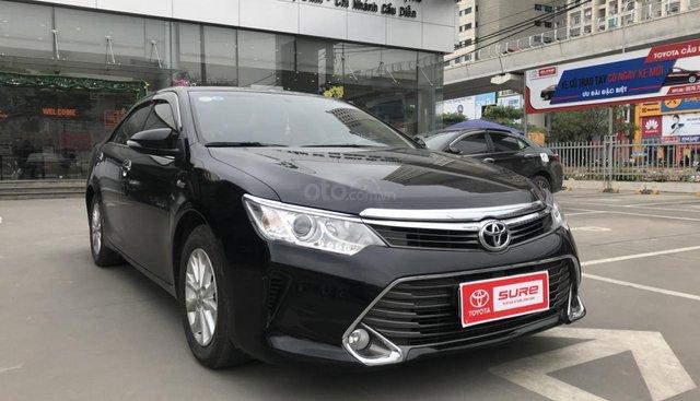Bán Toyota Camry 2.0E sản xuất 2015, màu đen, giá 800tr