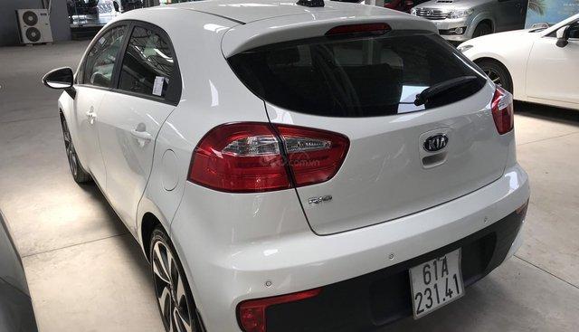 Bán Kia Rio HB 1.4AT màu trắng, số tự động nhập Hàn Quốc 2015, bản 5 cửa cao cấp