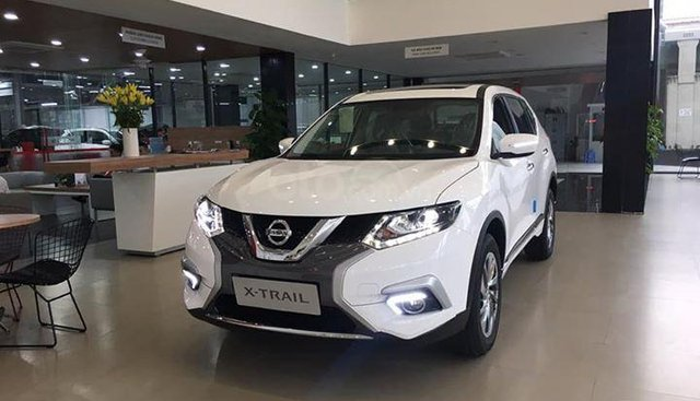 Bán xe Nissan Xtrail 2.0 SL Luxury vin 2019, 1 cầu, số tự động, màu trắng