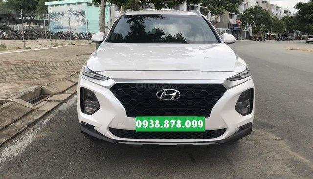 Bán Hyundai Santa Fe 2.4 4x2AT đời 2019, màu trắng có trả góp
