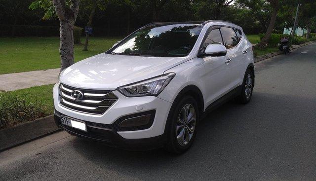 Cần bán Hyundai Santa Fe năm 2015, màu trắng, giá tốt
