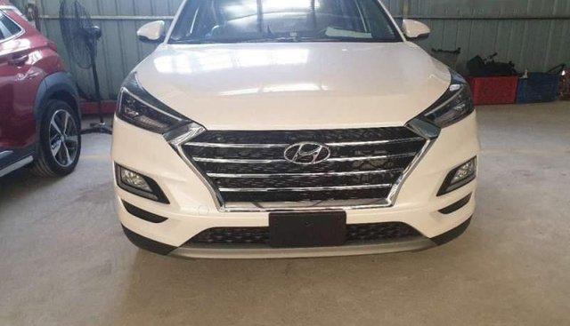 Bán Hyundai Tucson 1.6 Turbo facelift năm sản xuất 2019, màu trắng