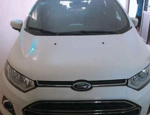 Cần bán xe Ford EcoSport đời 2017, màu trắng chính chủ