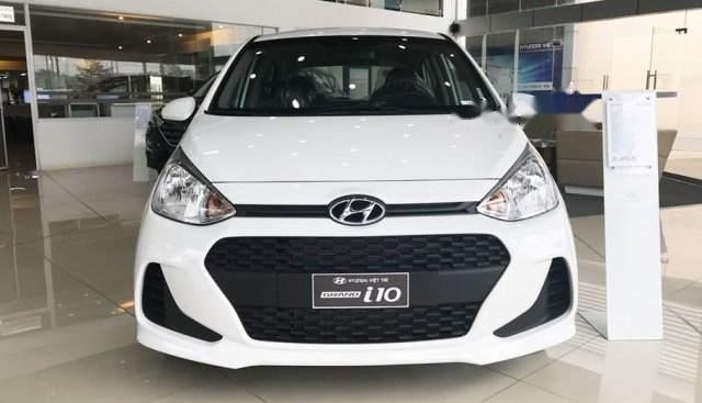 Bán Hyundai Grand i10 năm 2019, màu trắng, giá 325tr
