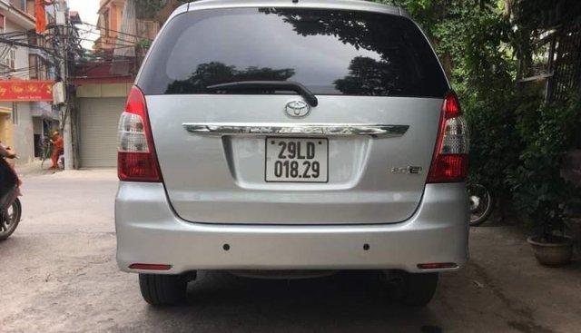 Bán xe Toyota Innova E  MT sản xuất 2014, màu bạc