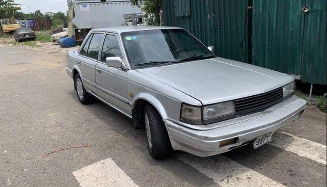 Bán Nissan Bluebird sản xuất 1988, màu bạc, xe nhập