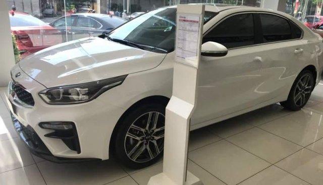 Cần bán xe Kia Cerato Deluxe năm 2019, màu trắng