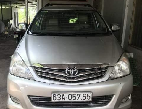 Chính chủ bán lại xe Toyota Innova năm 2009, màu bạc
