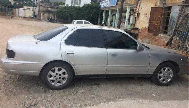 Bán Toyota Camry năm sản xuất 1992, màu bạc
