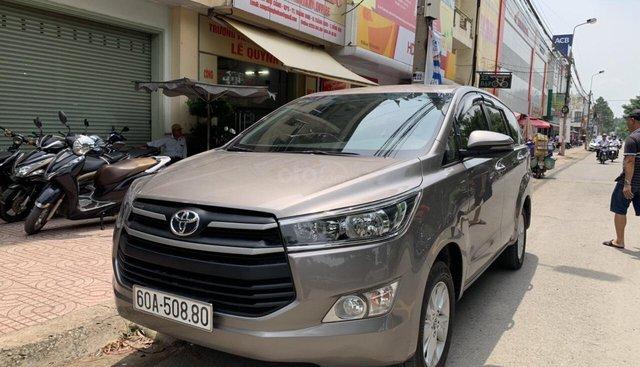 Hàng hot! Toyota inova 2018 2.0E, odo 23000km màu ghi. Chỉ cần đưa trước 240tr nhận xe