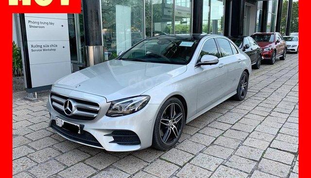 Bán xe Mercedes E300 bạc/nâu 2018 cũ chính hãng giá tốt. Trả trước 750 triệu nhận xe ngay