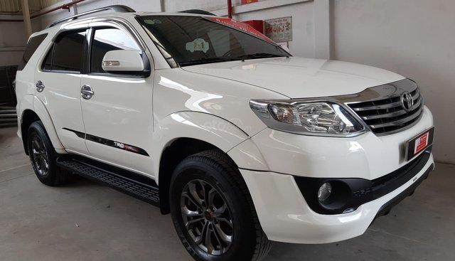 Bán Toyota Fortuner TRD 2.7V đời 2015, giá thương lượng