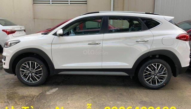 Hyundai Tucson đời 2019 giá cạnh tranh, giao xe nhanh trong tuần, hỗ trợ toàn bộ giấy tờ, ưu đãi trả góp lãi suất thấp