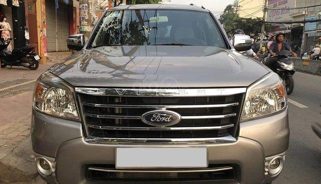 Cần bán xe Ford Everest 2011 số sàn máy dầu, màu hồng phấn