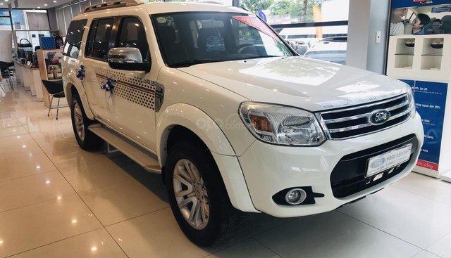 Cần bán Ford Everest 2.5 L số sàn đời 2014, màu trắng, giá cạnh tranh